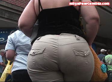 Huge candid basketball mega booty latina in leggings 8